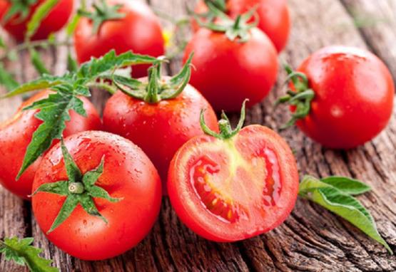 Uống cà chua mỗi ngày có tốt không