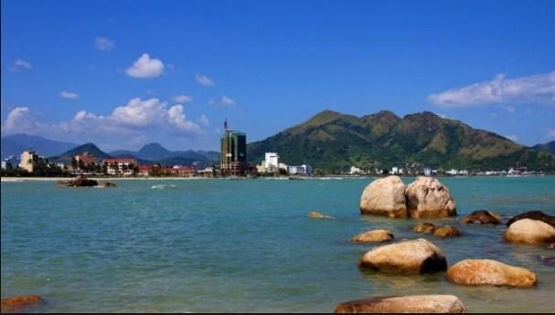 Toàn cảnh núi cô tiên Nha Trang