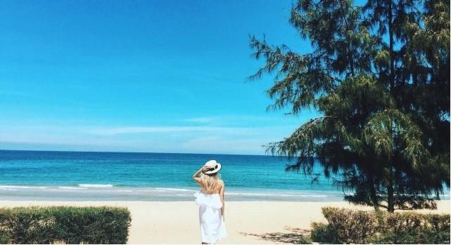 Bãi biển trong xanh tại Sa Huỳnh