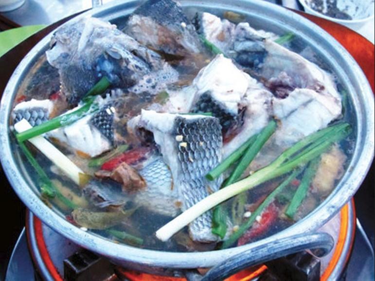 Cá tà ma nấu chua tại Ba Làng An