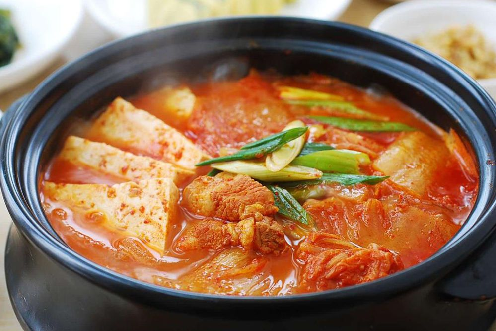 Cách làm súp kim chi đậu phụ với thịt heo
