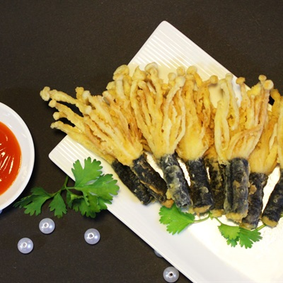 Rong biển cuộn nấm kim châm