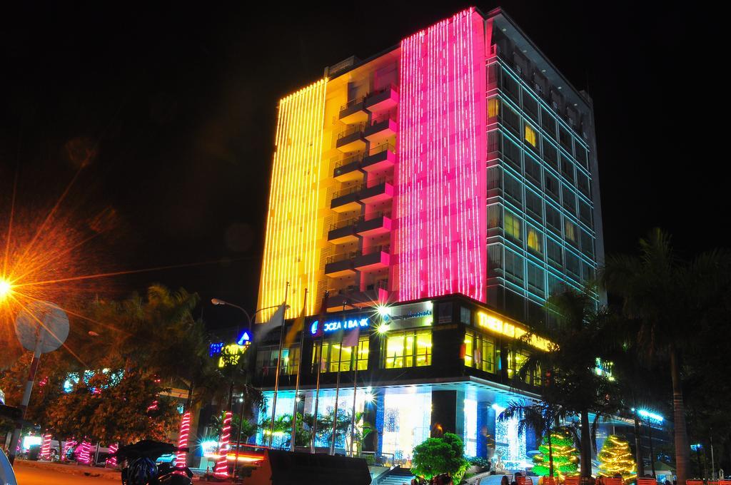 Khách sạn Thiên Ấn Quảng Ngãi về đêm