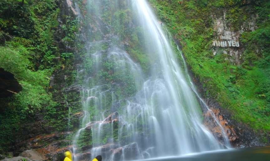 Khung cảnh thiên nhiên tuyệt đẹp tại thác tình yêu Sapa