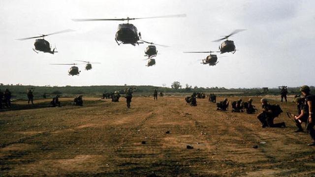 Máy bay đến thảm sát Mỹ Lai