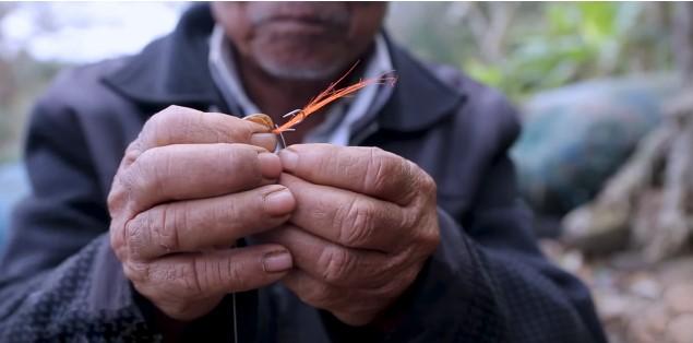 Mồi câu cá của ngư dân Ba Làng An