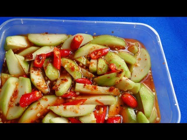 Cách là món ăn homemade cóc dầm chua ngọt