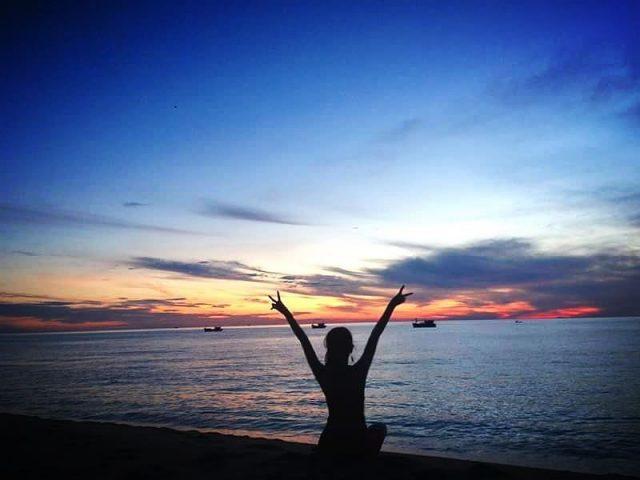 Ngắm bình minh trên bãi biển Sa Huỳnh
