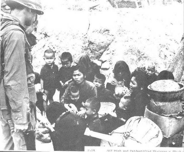 Người dân bị dồn lại tại Sơn Mỹ