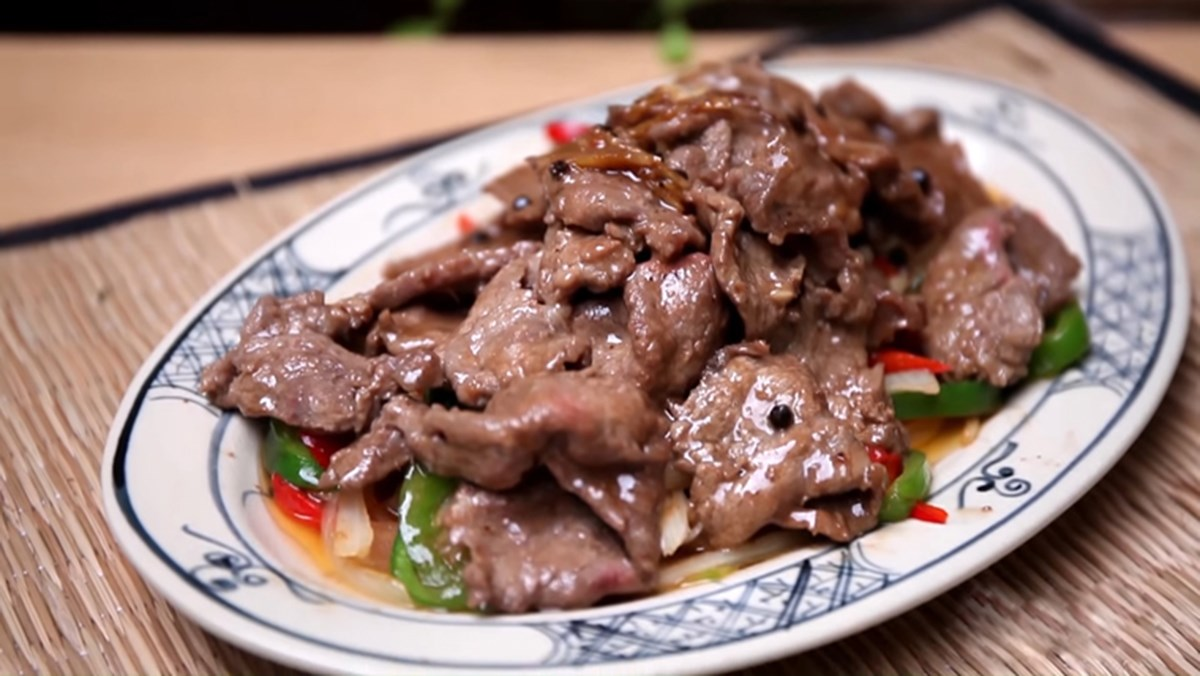 Cách làm thịt heo áp chảo sốt tiêu đen