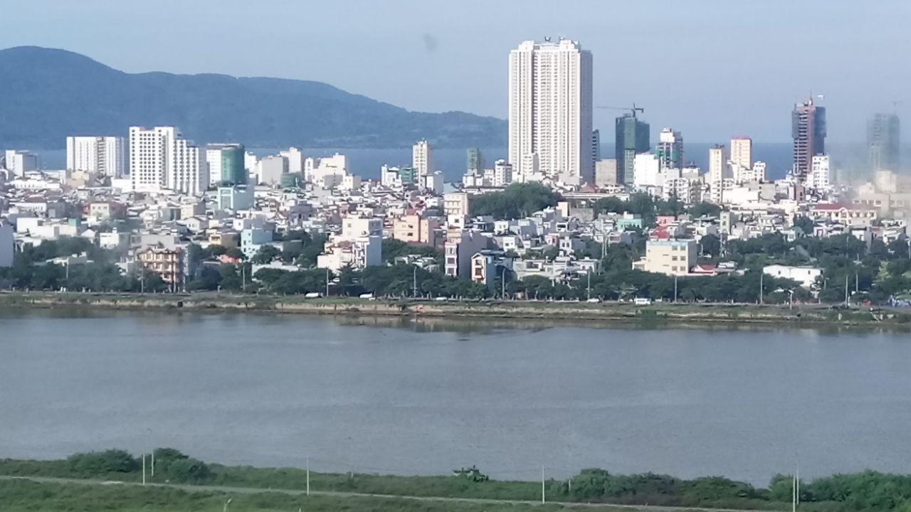 Thành Phố Đà Nẵng Bên Dòng Sông Hàn