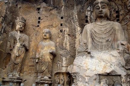 Tượng phật ở chùa Hang